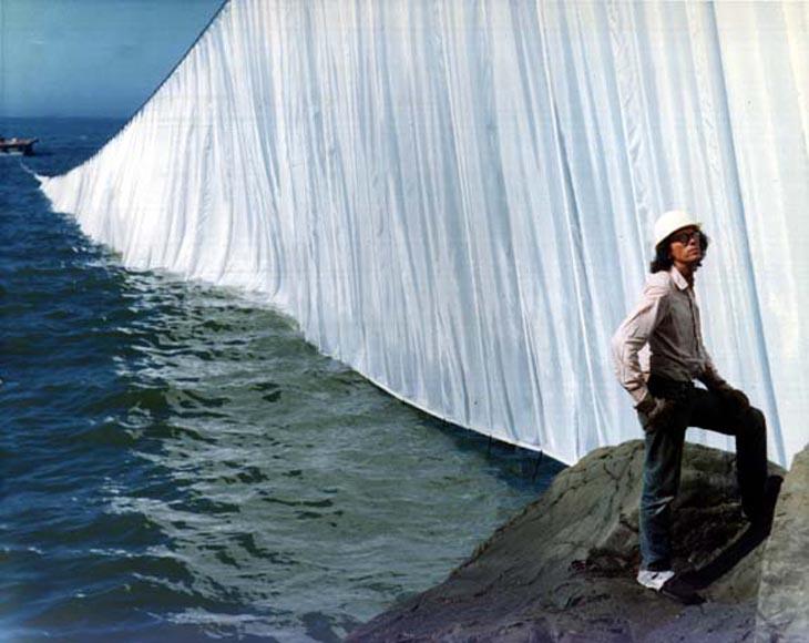ChristoJavacheff-The-Running-Fence-California-1976