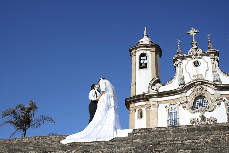Tales Frey (Cia.Excessos). -O Outro Beijo no Asfalto-, 2011. Ouro Preto, Brasil