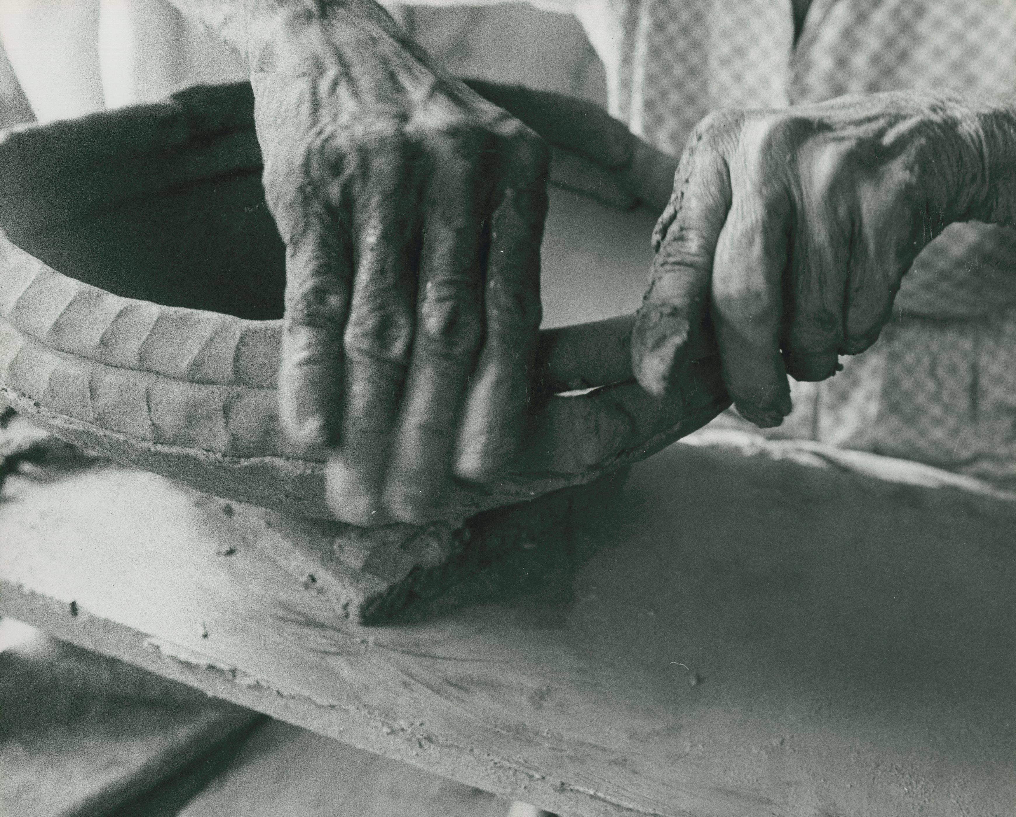 Primeiras MISSÕES Ceramista Plácido de Campos Jr Bairro de Jairé Iguape  1973 Acervo MIS