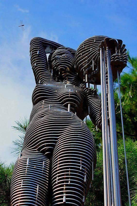 escultor coreano Park Chan Girl