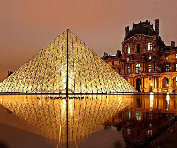 louvre-museum-900x700