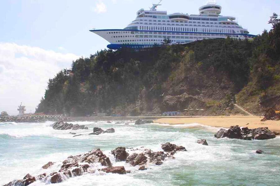 15-hotel-em-formato-de-navio-900x600