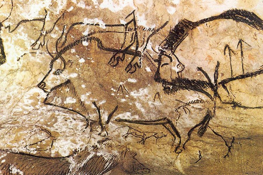Pinturas na caverna pré-histórica de Niaux, França.