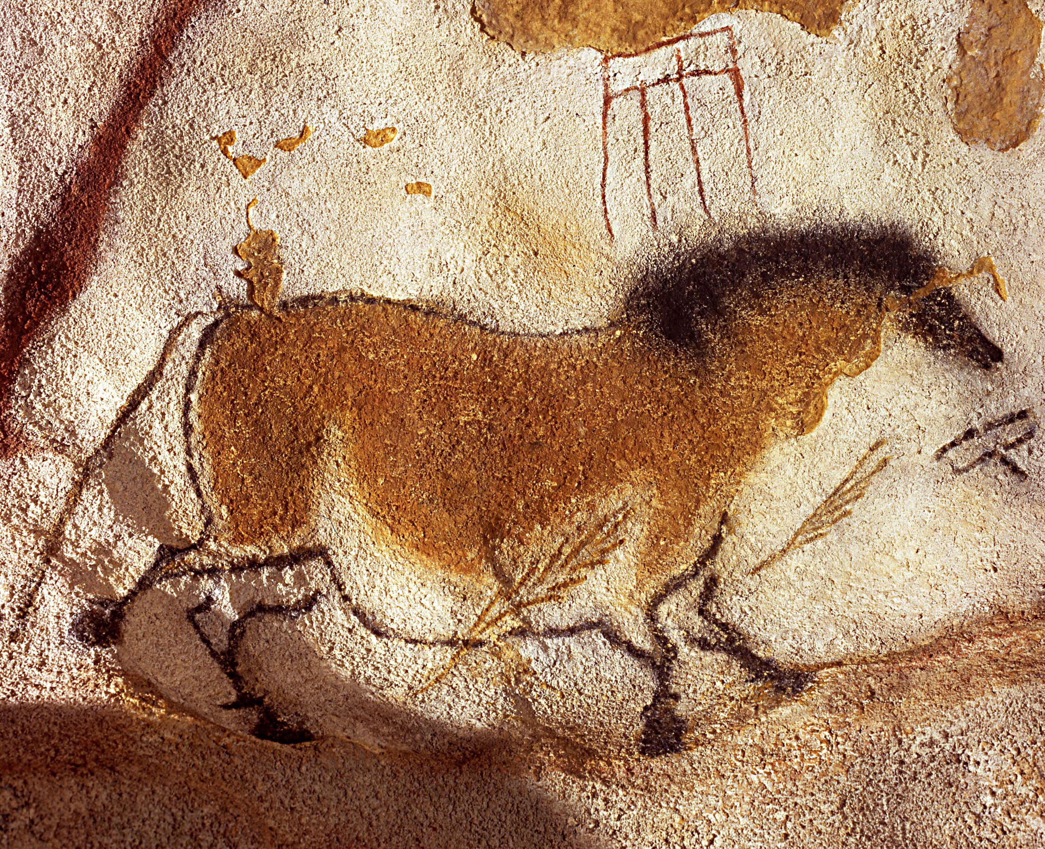 Pintura de um cavalo na caverna de Lascaux, na França, datada de 17.300 anos