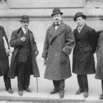 Luigi Russolo, Carlo Carrà, Filippo Tommaso Marinetti, Umberto Boccioni e Gino Severini-900x700