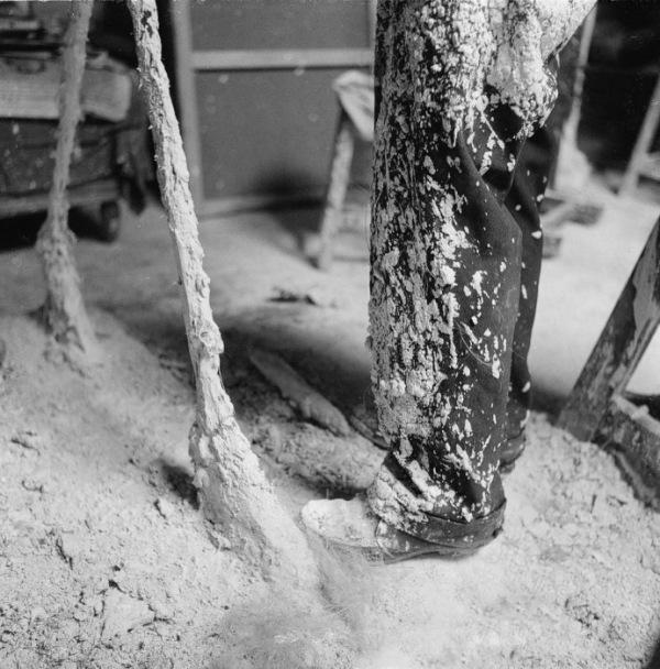 Giacometti calças coberta de gesso