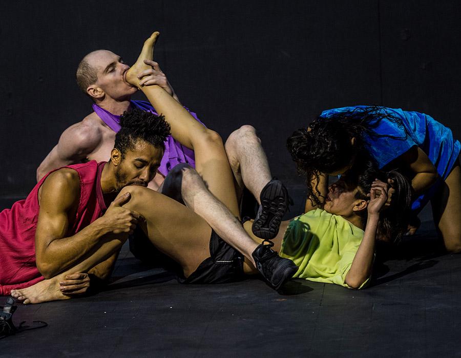 França Volmir Cordeiro em uma dança que vai te surpreender no SESC