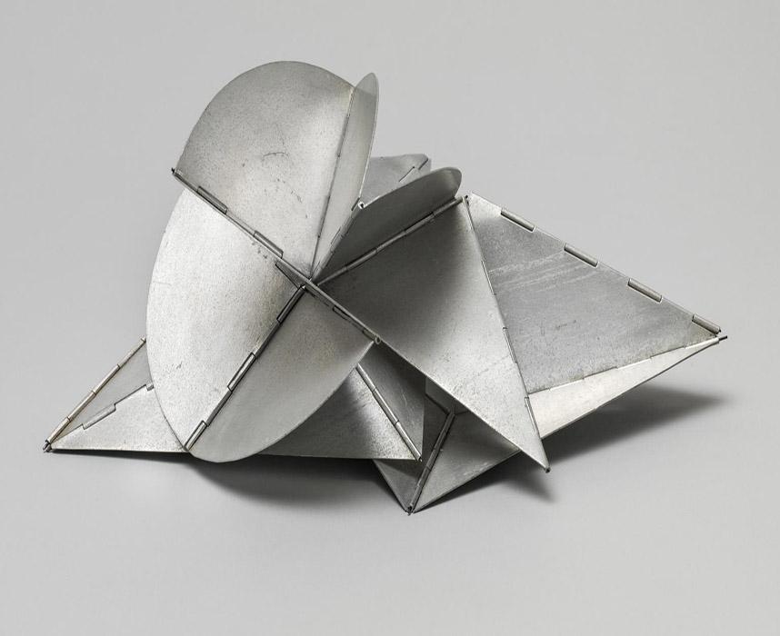 arte abstrata; lygia clark; Creature-Maquette (320) 1964