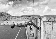 Zied ben Romdhane, Tunísia, Oummlaarayes, Série West of Life [Leste da Vida], 2013-2016, Digital, 40 x 60 cm 2