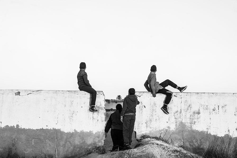 Zied ben Romdhane, Tunísia, Série West of Life [Leste da Vida], 2013-2016, Digital, 40 x 60 cm