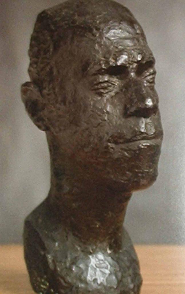 Bruni Giorgi- Busto de Mario de Andrade