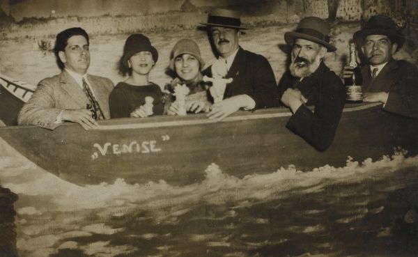 Brancusi com Oswald de Andrade, Tarsila do Amaral, Yvette Farkou, Fernand Léger e Maximilien Gauthier