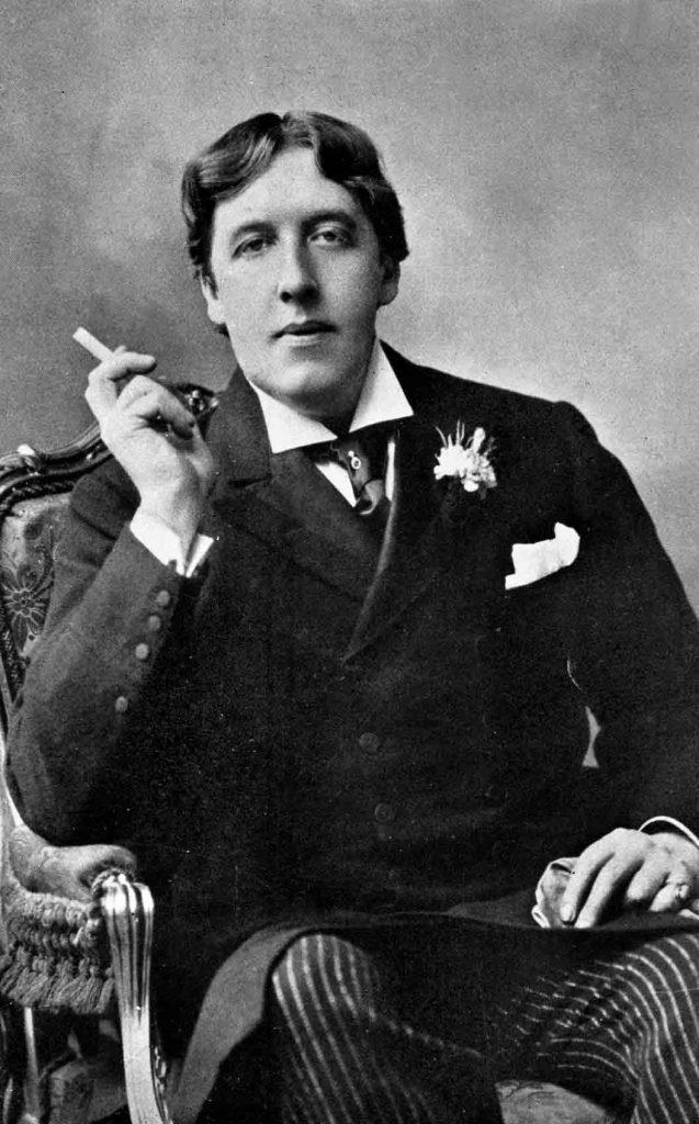 Oscar Wilde fumando.