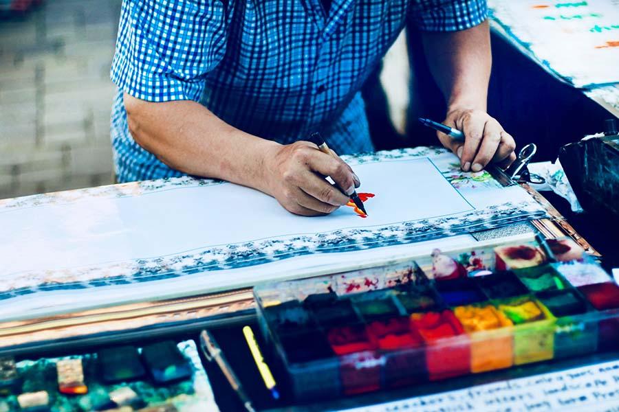 artista pintando 2