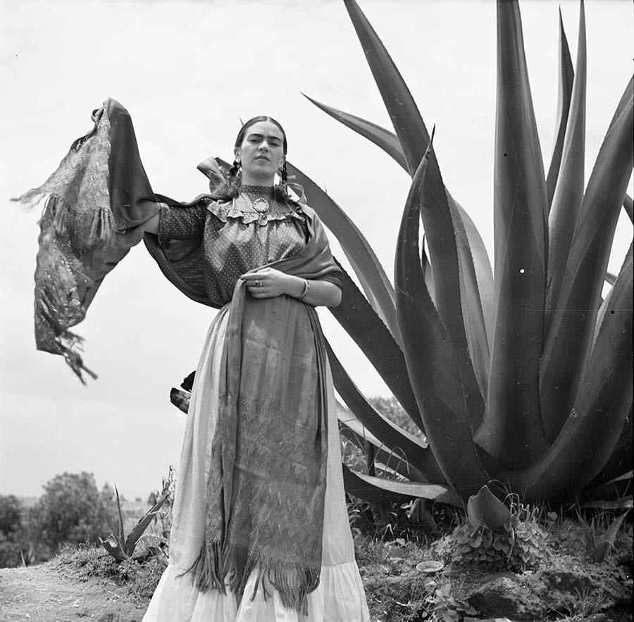 Frida Kahlo fotografada por Toni Frissel