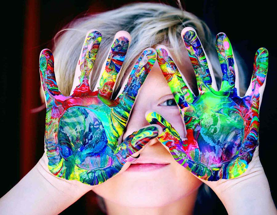 Criança-pintando