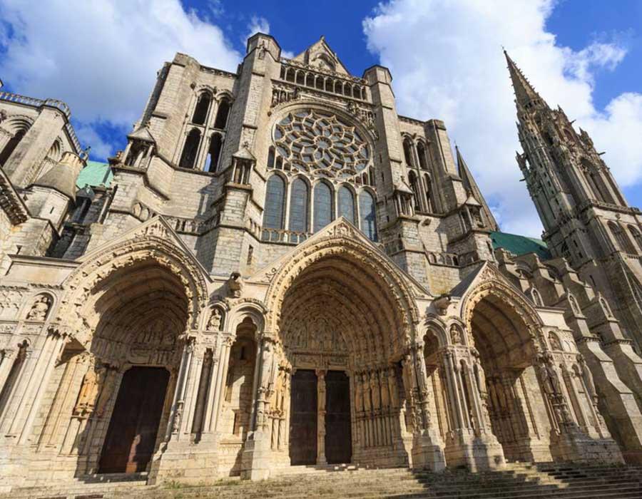 DETALHE - Catedral de Chartres | Via religiana.com
