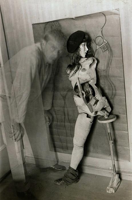 Hans Bellmer - Autorretrato com a boneca (1934)