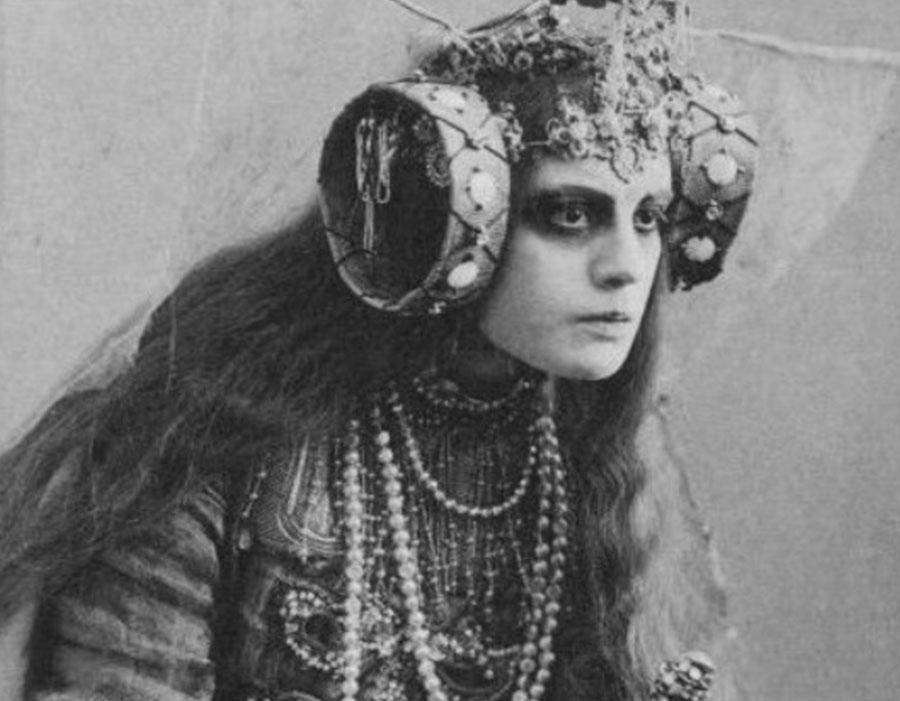 Você conhece as 10 artistas feministas dadaístas?