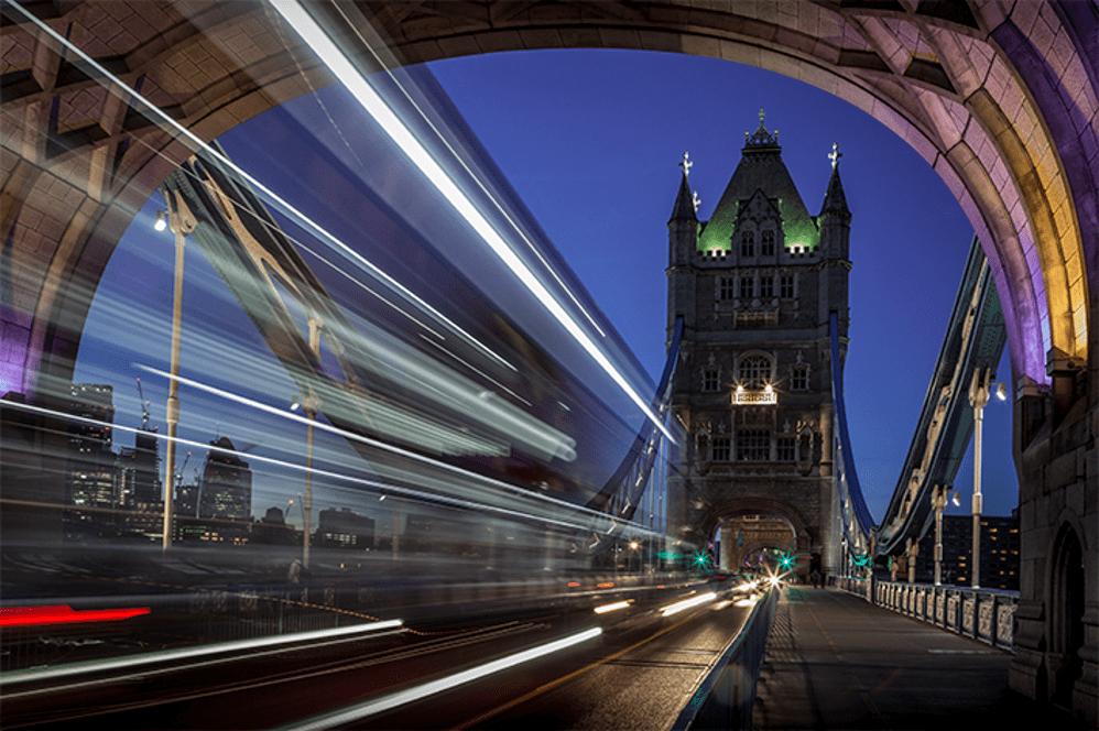 Patrícia Vieira. Street / Arco-íris na Tower Bright