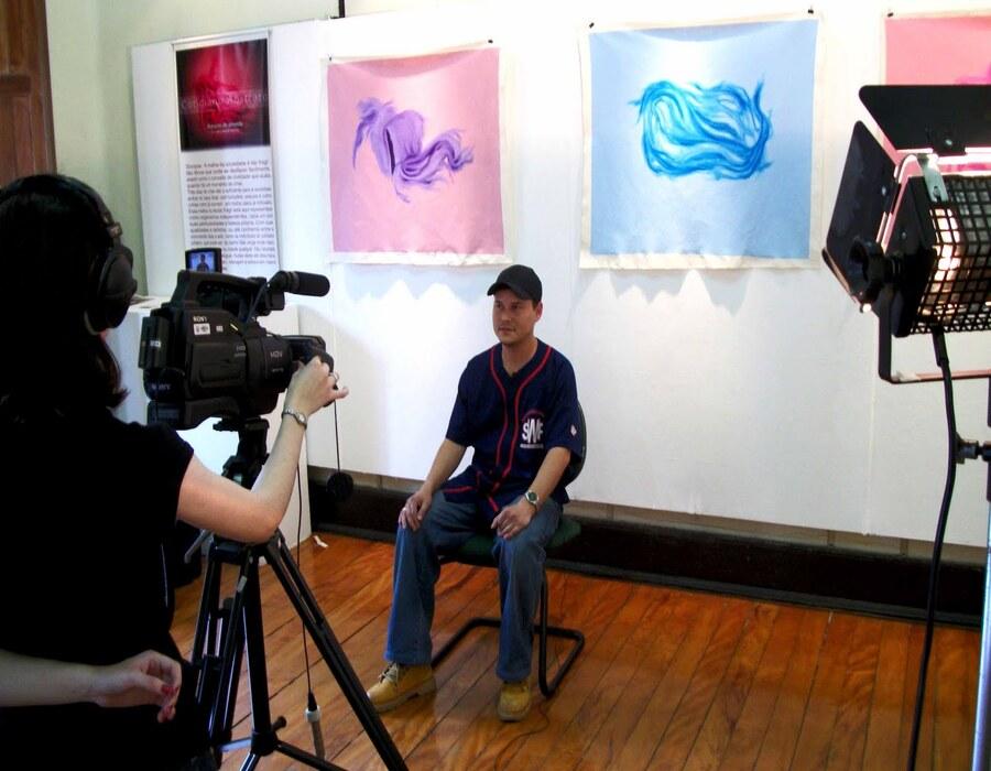"""Marks no Museu de Santo André durante a exposição individual """"Cotidiano Abstrato"""" (2010)"""